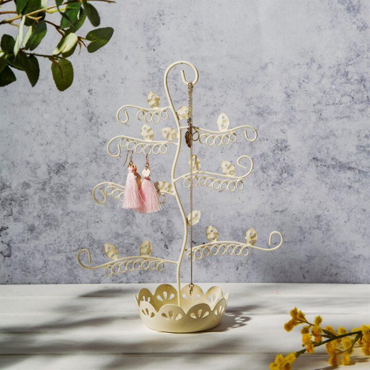 Flowery σταντ κοσμημάτων